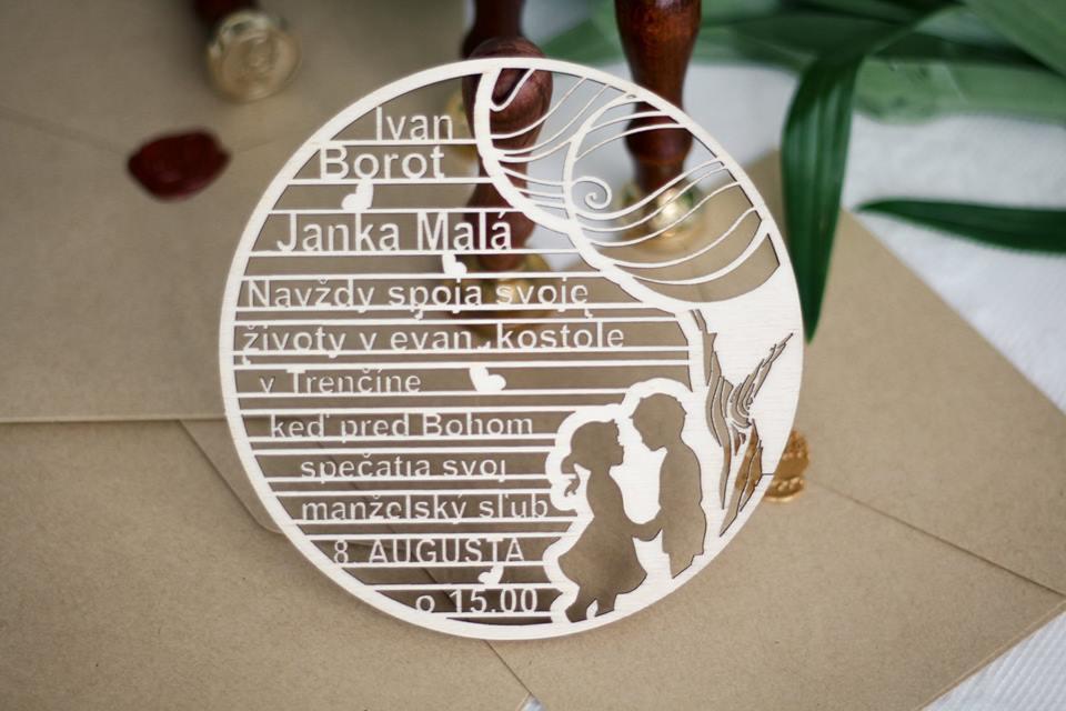 drevene svadobne oznamenia