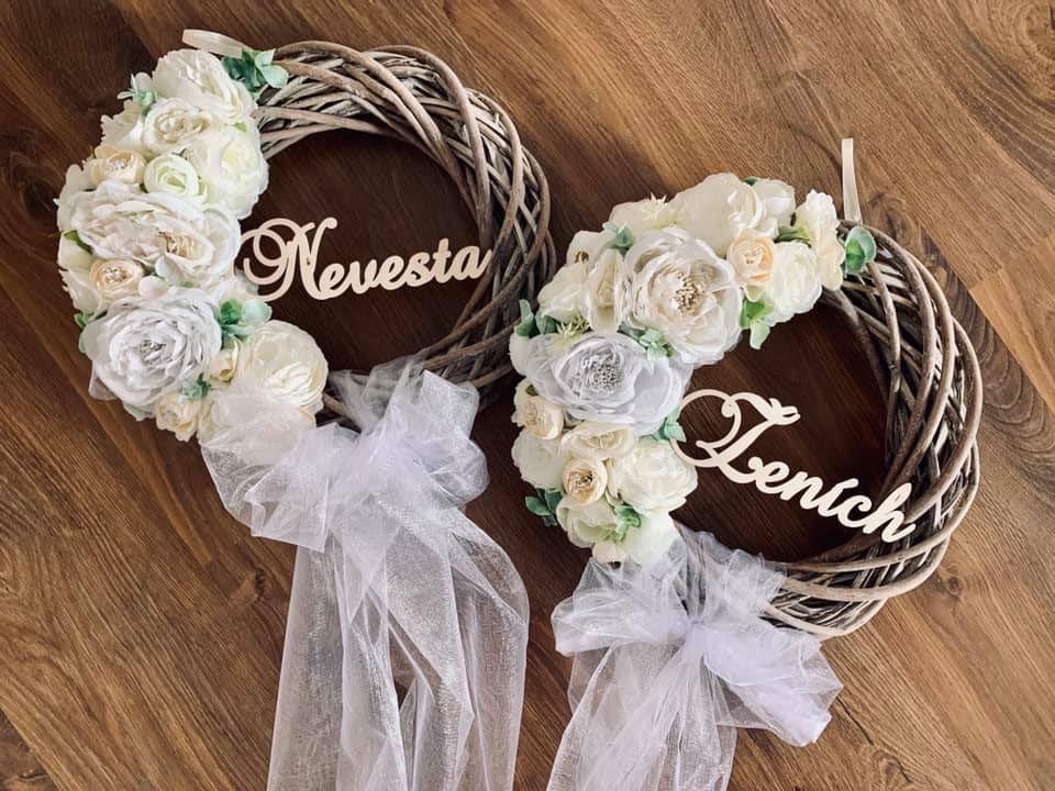 hnedé venčeky pre ženícha a nevestu