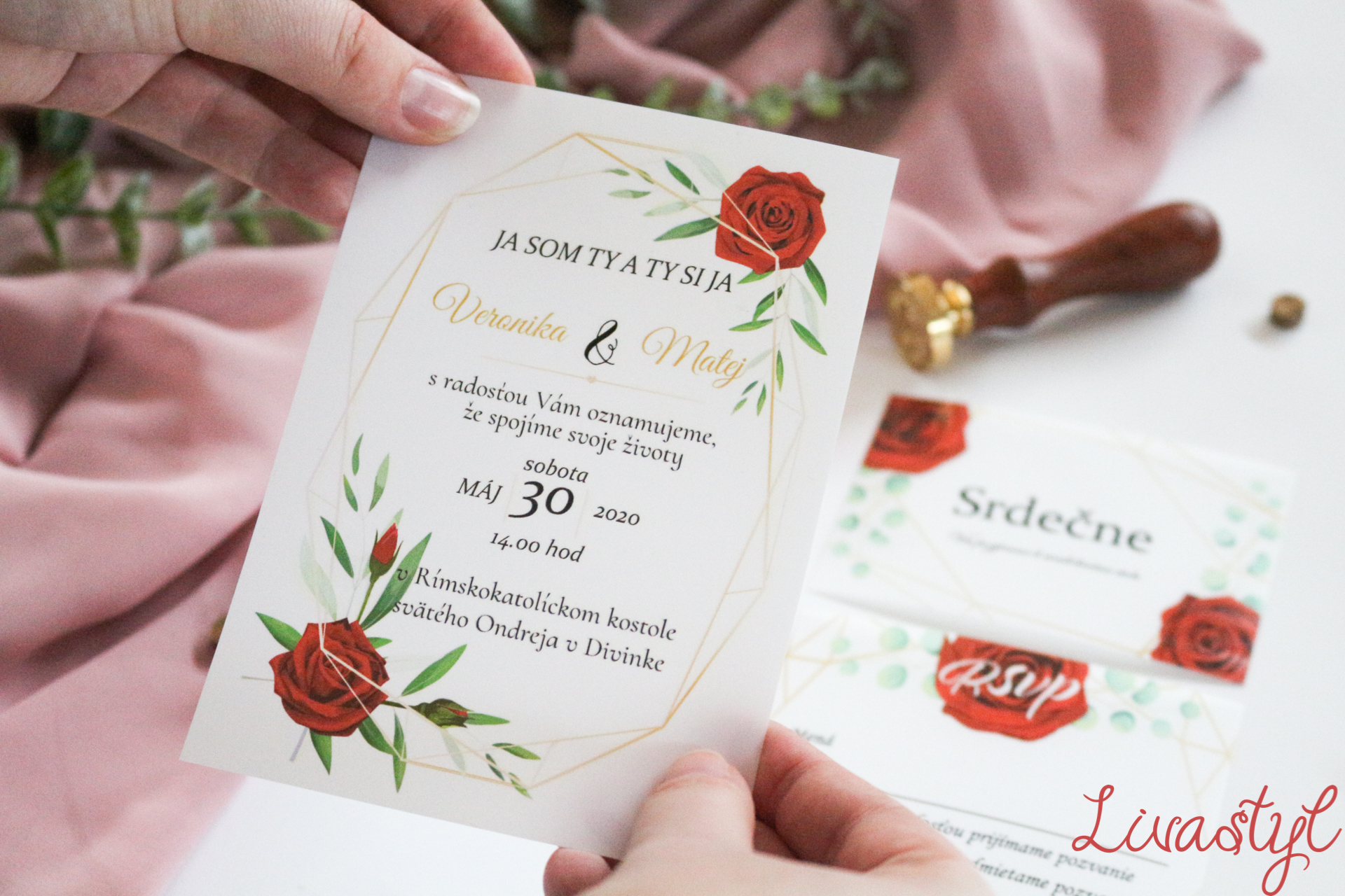 červené svadobné oznámenie